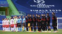 Týmy Lipska a Atlétika Madrid před začátkem čtvrtfinále Ligy mistrů v Lisabonu.