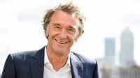Brit Jim Ratcliffe, majitel společnosti Ineos, která převezme tým Sky.
