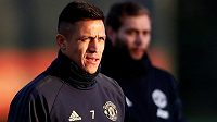 Alexis Sánchez si poranil stehenní sval a podle trenéra Josého Mourinha si za Manchester United do konce roku nezahraje