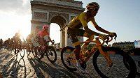 Konání Tour de France, jejíž start byl kvůli pandemii koronaviru odložen až na konec srpna, je sice dál ve hvězdách, ale obhájce prvenství Egan Bernal dal najevo své ambice. TKolumbijský cyklista prohlásil, že se nehodlá pro nikoho obětovat, i kdyby mělo jít o týmové parťáky ze stáje Ineos.