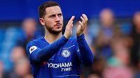Fotbalová Chelsea se snaží dělat všechno možné, aby udržela svoji belgickou hvězdu - Edena Hazarda.