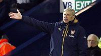 Rozladěný trenér Arsenalu Arséne Wenger.