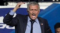 Ani gestikulace a hlasité pokyny kouče Josého Mourinha tým Chelsea neprobraly. S Liverpoolem tým ze Stamford Bridge prohrál.