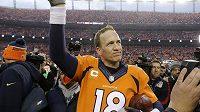 Legendární quarterback Peyton Manning v dresu Denveru.