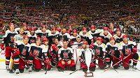 Premiérový Mountfield Cup loni vyhráli hokejisté Hradce Králové. Kdo bude slavit v roce 2017?
