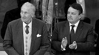 Legendární hokejový útočník Vladimír Zábrodský (vlevo) zemřel. Mistr světa z let 1947 a 1949 byl členem Síně slávy IIHF i českého hokeje.