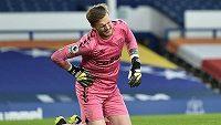 Jordana Pickforda úpí bolestí v zápase Everton - Burnley.