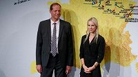 Ředitel Tour de France Christian Prudhomme a šéfka ženského závodu Marion Rousseová.