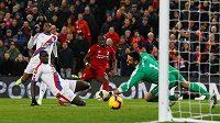 Fotbalisté Liverpoolu po výhře nad Crystal Palace nadále vedou tabulku