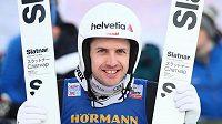 Skokan na lyžích Simon Ammann bude i v 37 letech pokračovat v kariéře.