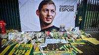 Pieta na počest argentinského fotbalisty Emiliana Saly v klubu FC Nantes.