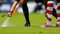 Vůbec první využítí spreje na území Anglie během zápasu o Charity Shield.