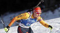 Německá biatlonistka Denise Herrmannová s bezchybnou střelbou triumfovala ve vytrvalostním závodu SP v Pokljuce.