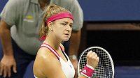 Karolína Muchová při utkání s Američankou Venus Williamsovou na US Open.