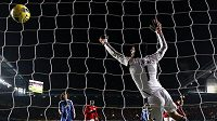Petru Čechovi bude v brance Chelsea i nadále krýt záda Hilário