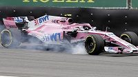 Francouz Esteban Ocon ze stáje Force India svůj monopost nešetří.