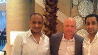 Ivan Hašek s představiteli klubu Al Hilal