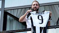 Útočník Gonzalo Higuaín je po přestupu z Neapole do Juventusu nejdražším fotbalistou italské ligy.