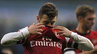 Frustrovaný Jack Wilshere z Arsenalu po výprasku na hřišti Manchesteru City.