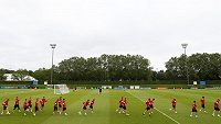 Fotbalisté Albánie se na hlavní hřiště v Lyonu nedostali, museli vzít zavděk tréninkovými plochami.