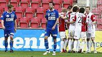 Fotbalisté Slavie zřejmě přivítají novou posilu.