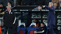 Manuel Pellegrini (vpravo) ještě jako trenér West Hamu a kouč Crystal Palace Roy Hodgson.