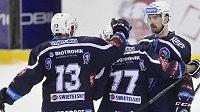 Milan Gulaš (uprostřed), jeden z hrdinů hokejové Plzně.