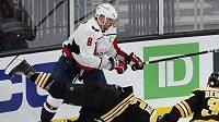 Ruský snajpr Alex Ovečkin v zápase s Bostonem zaujal více svými výkony mimo led