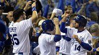 Radost baseballistů Kansas City Royals, stav finálové série MLB proti San Francisco Giants srovnali na 1:1.