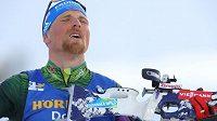 Německý mistr světa v biatlonu Erik Lesser si na kole zlomil klíční kost.