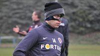 Václav Kadlec je zpátky, zatím s maskou á la Zorro...