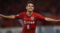 Bývalý záložník Chelsea Oscar by rád reprezentoval Čínu