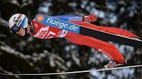Norský skokan na lyžích Anders Fannemel vylepšil při SP v letech ve Vikersundu světový rekord na 251,5 metru.