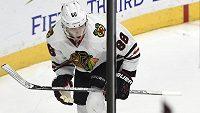 Patrick Kane z Chicaga Blackhawks slaví svůj vítězný gól.
