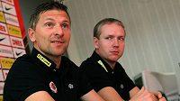 První kouč fotbalové Sparty Martin Hašek (vlevo) a jeho asistent Václav Jílek.