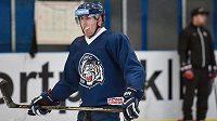 Hokejový útočník Marek Kvapil na tréninku v Liberci.