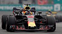 Daniel Ricciardo na trati kvalifikace GP v Mexiku.