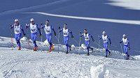 Česká reprezentace v běhu na lyžích při soustředění na dachsteinském leovci.
