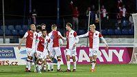 Radost hráčů Slavie po vítězném gólu proti Jihlavě v osmifinále MOL Cupu.