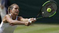 Barbora Strýcová ve Wimbledonu válí.