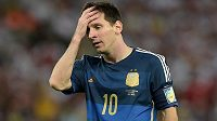 Zklamaný argentinský kapitán Lionel Messi poté, co výběr Albiceleste podlehl ve finále MS 2014 Německu 0:1 po prodloužení.