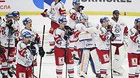 Zklamaní čeští hokejisté po porážce s Ruskem
