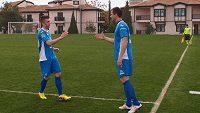 Václav Svěrkoš (vpravo) si znovu zahrál fotbal.