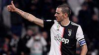 Hvězdný obránce Leonardo Bonucci prodloužil smlouvu s Juventusem do roku 2024.