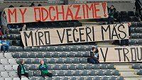 Transparent jabloneckých příznivců v utkání 24. kola Gambrinus ligy s Duklou Praha.