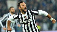 Útočník Juventusu Mirko Vučinič měl znovu důvod slavit...