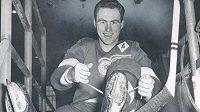 """Ve věku 91 zemřela legenda NHL Leonard """"Red"""" Kelly."""