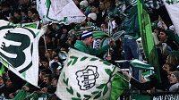 Fanoušci Wolfsburgu při utkání proti Kolínu.