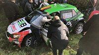 Během Rallye du Condroz-Huy, jež je součástí belgického šampionátu, totiž po nehodě zemřel dvaapadesátiletý navigátor Rik Vanlessen.