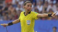 Francouzka Stéphanie Frappartová bude jako hlavní rozhodčí řídit zápas Liverpoolu s Chelsea.